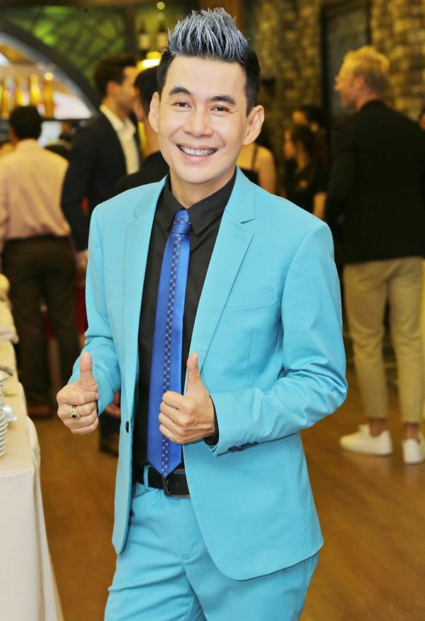 Phi Thanh Vân mặc kín mít, thân thiết với trai Tây trong sự kiện - Ảnh minh hoạ 5