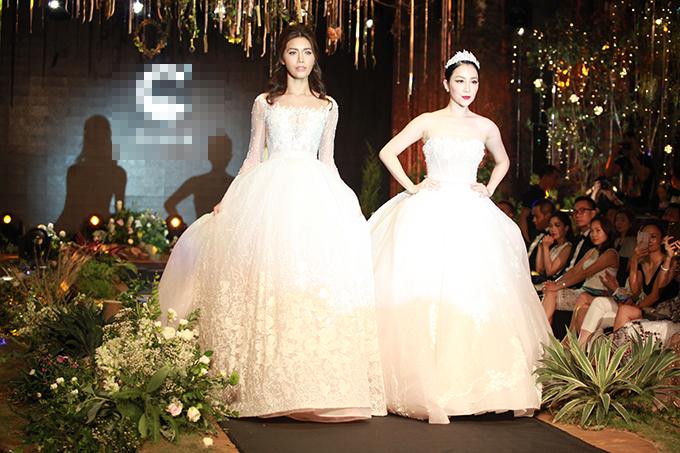 Trong show diễn giới thiệu xu hướng váy cưới cho mùa cưới 2017-2018, NTK Phương Linh đã giới thiệu tới người xem hơn 50 bộ soiree lộng lẫy, lấy cảm hứng từ thiên nhiên, hoá lá với chất liệu chủ đạo là ren leo trên nền voan.