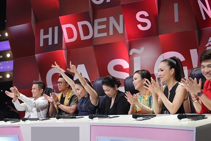 Mẹ Minh Tuyết xấu hổ vì 4 lần không nhận ra giọng hát của con - Ảnh minh hoạ 6