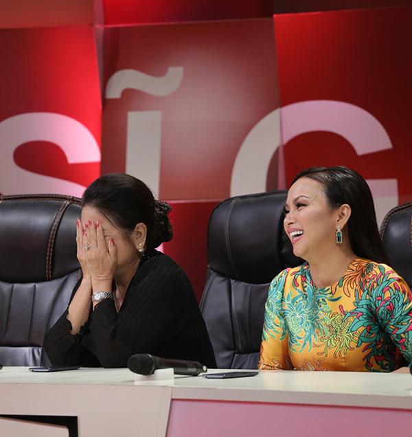 Mẹ Minh Tuyết xấu hổ vì 4 lần không nhận ra giọng hát của con - Ảnh minh hoạ 3