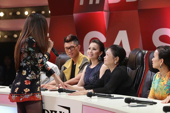 Mẹ Minh Tuyết xấu hổ vì 4 lần không nhận ra giọng hát của con - Ảnh minh hoạ 5