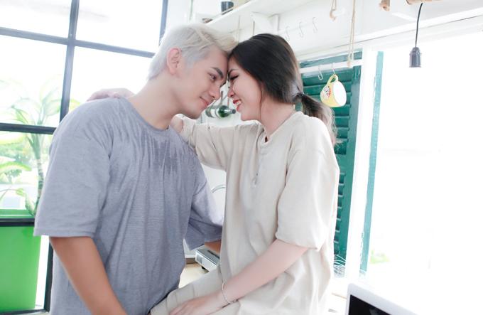 Sơn Ngọc Minh quấn quýt bên Huyền Nhi trong MV mới - Ảnh minh hoạ 7