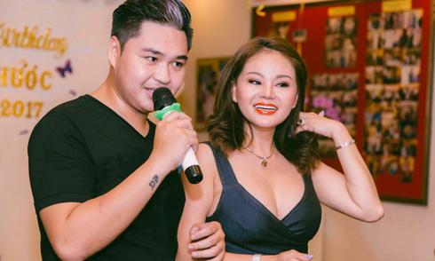 Lê Giang mặc sexy dự tiệc sinh nhật con trai lớn Duy Phước