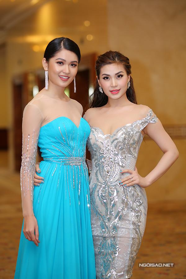 Các người đẹp đến chúc mừng Thùy Dung đại diện VN thi Hoa hậu Quốc tế