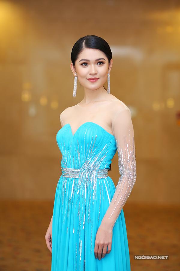 Các người đẹp đến chúc mừng Thùy Dung đại diện VN thi Hoa hậu Quốc tế - Ảnh minh hoạ 10