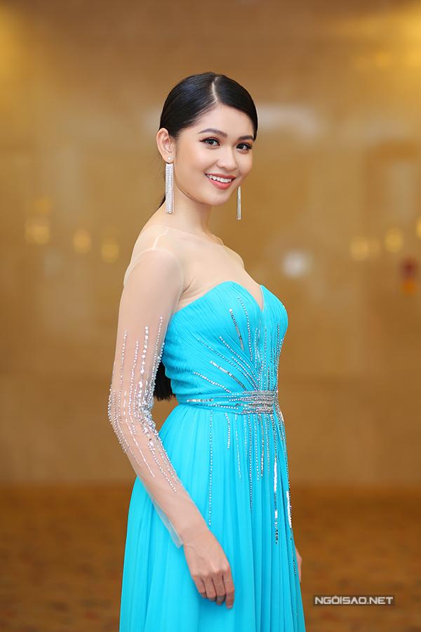 Các người đẹp đến chúc mừng Thùy Dung đại diện VN thi Hoa hậu Quốc tế - Ảnh minh hoạ 9