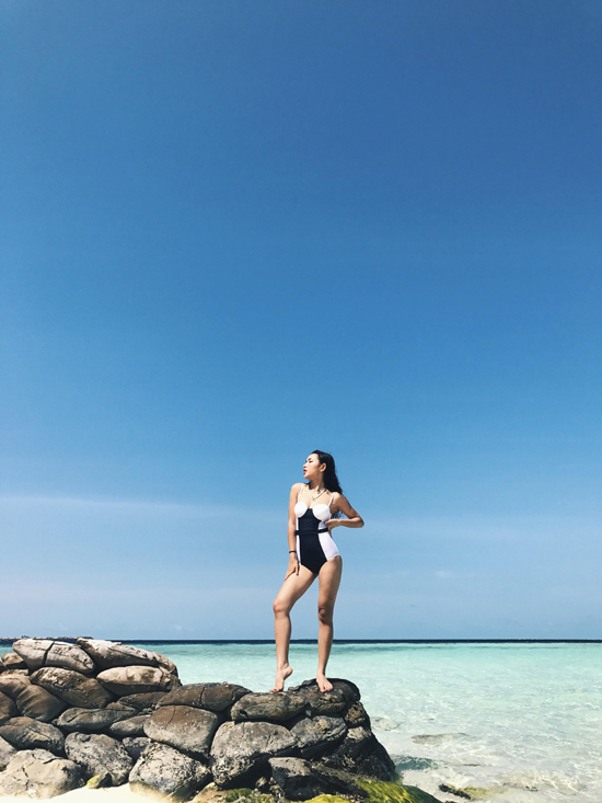 Hot girl Châu Bùi khoe body quyến rũ tại Maldives