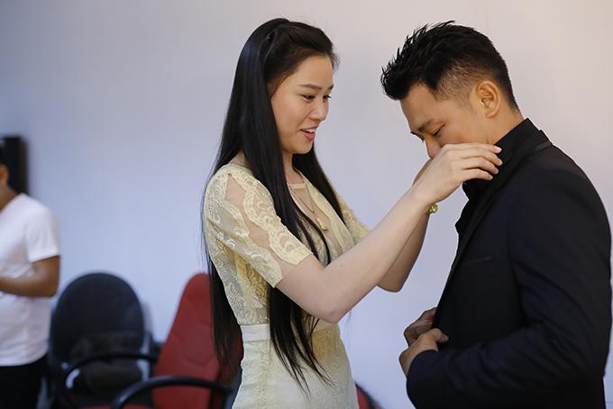 Vân Quang Long hiếm hoi để lộ mặt bà xã xinh đẹp kém 10 tuổi