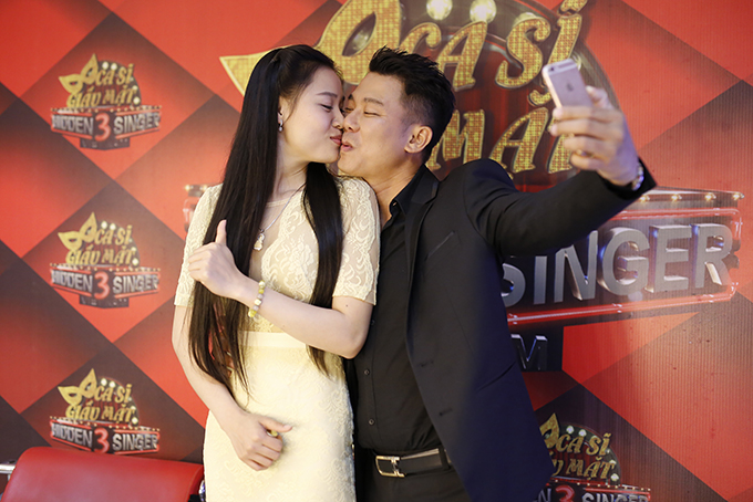 Vân Quang Long hiếm hoi để lộ mặt bà xã xinh đẹp kém 10 tuổi - Ảnh minh hoạ 4