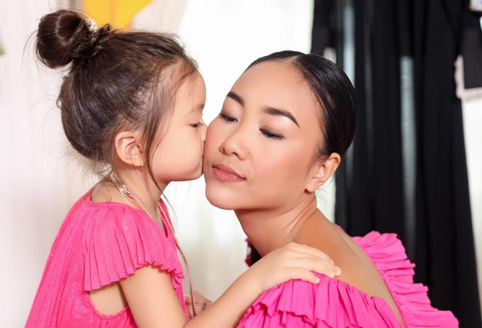 Con gái Đoan Trang sành điệu không kém mẹ - Ảnh minh hoạ 5