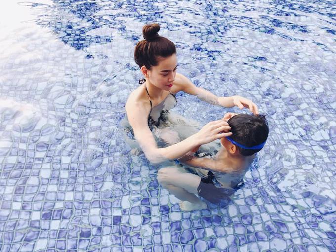 Nghi vấn Hà Hồ đưa con trai đi du lịch cùng Kim Lý tại Đà Nẵng - Ảnh minh hoạ 6