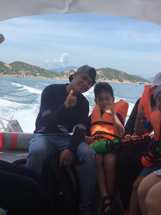 Lê Phương khoe ảnh hạnh phúc bên ông xã Trung Kiên và con trai