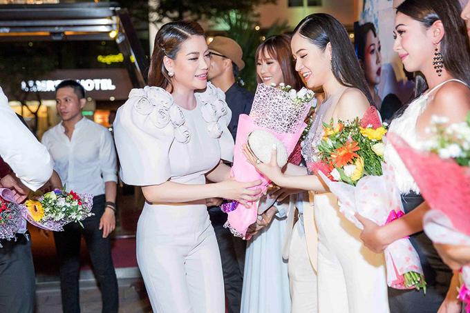 Trương Ngọc Ánh dự tiệc cùng vợ chồng Bình Minh - Ảnh minh hoạ 7
