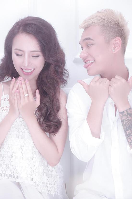 Khắc Việt và vợ sắp cưới quyến luyến nhau không rời - Ảnh minh hoạ 9