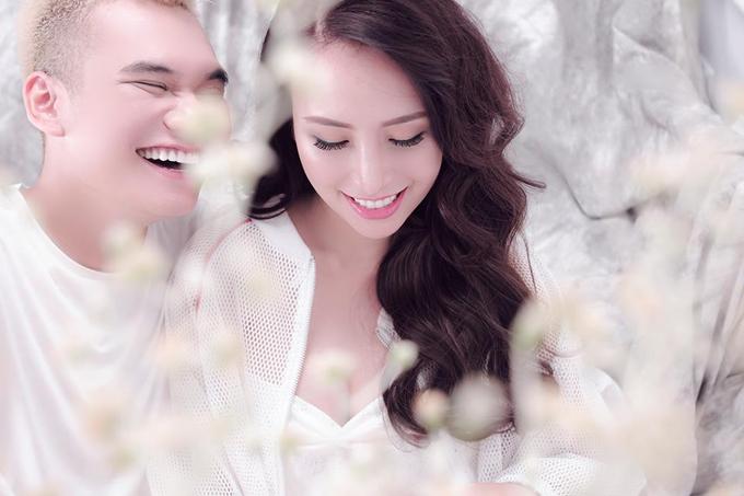 Khắc Việt và vợ sắp cưới quyến luyến nhau không rời - Ảnh minh hoạ 3