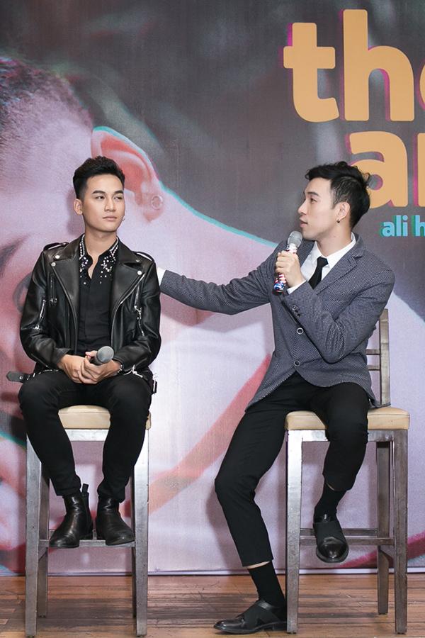 Quán quân The Voice 2017 Ali Hoàng Dương từng bị ghét vì quá