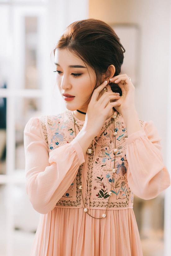 Huyền My đầu tư loạt đồ hiệu cho Hoa hậu Hòa bình Thế giới 2017 - Ảnh minh hoạ 3