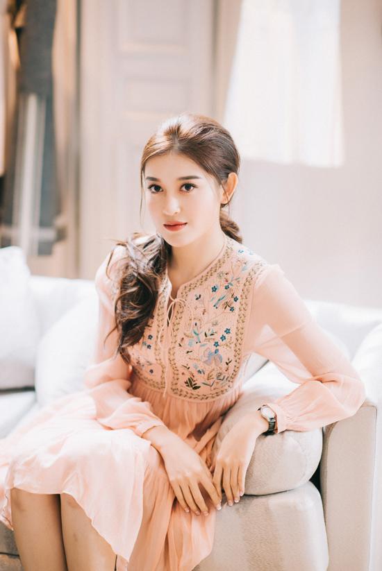Huyền My đầu tư loạt đồ hiệu cho Hoa hậu Hòa bình Thế giới 2017 - Ảnh minh hoạ 4