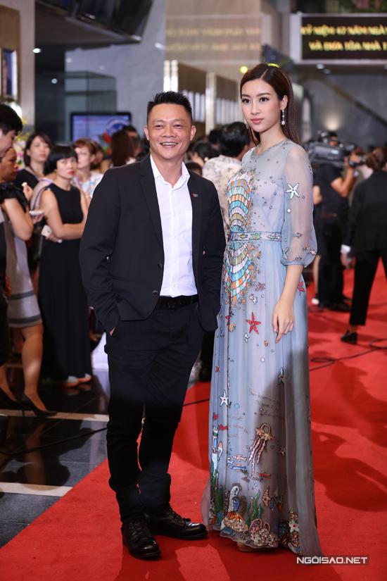 Dàn sao lộng lẫy trên thảm đỏ lễ trao giải VTV Awards 2017 - Ảnh minh hoạ 8