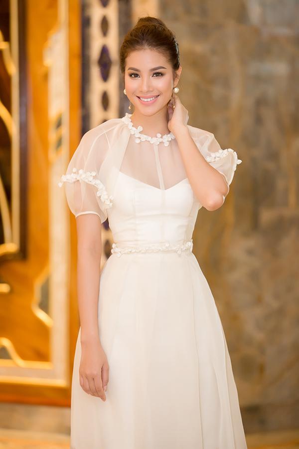 Phạm Hương diện đầm công chúa đi event cuối tuần - Ảnh minh hoạ 2