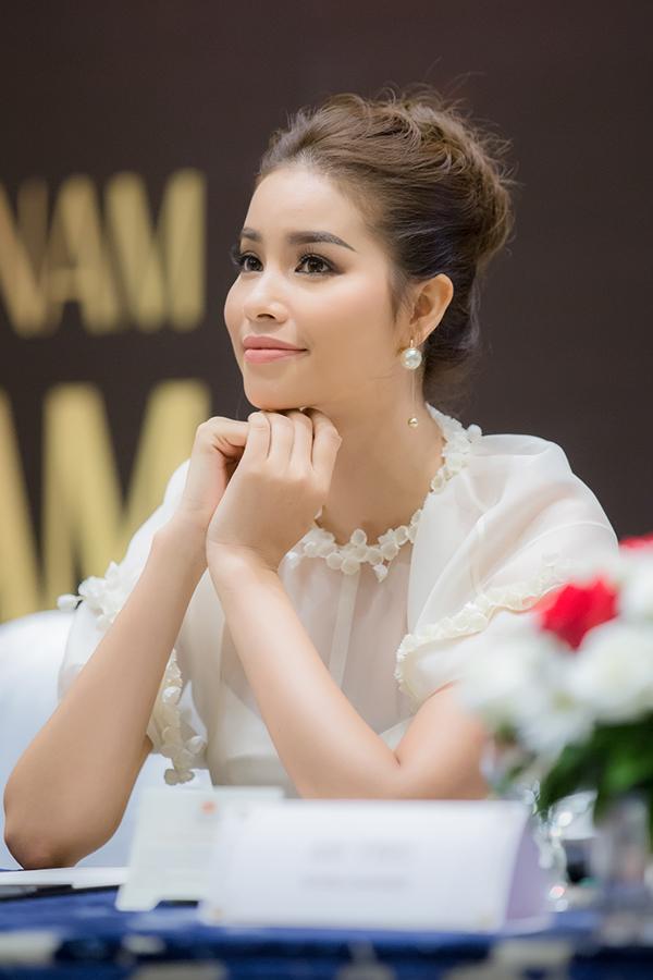 Phạm Hương diện đầm công chúa đi event cuối tuần - Ảnh minh hoạ 6