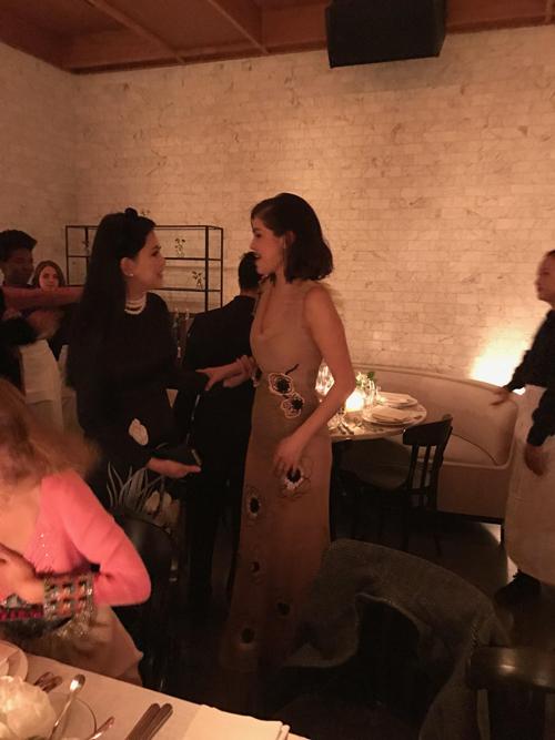 Vợ chồng cựu diễn viên Thuỷ Tiên dự tiệc cùng Selena Gomez - Ảnh minh hoạ 4