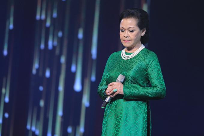 Khánh Ly quên cả lời bài hát vì quá xúc động - Ảnh minh hoạ 4
