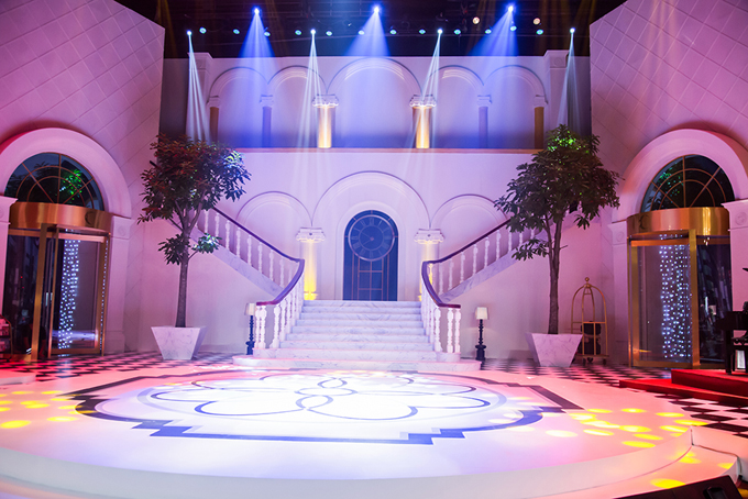 Sân khấu show truyền hình mang tên Trấn Thành lung linh như khách sạn 5 sao - Ảnh minh hoạ 2