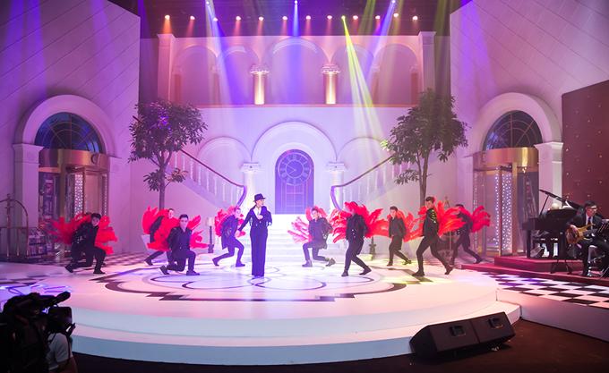 Sân khấu show truyền hình mang tên Trấn Thành lung linh như khách sạn 5 sao - Ảnh minh hoạ 4