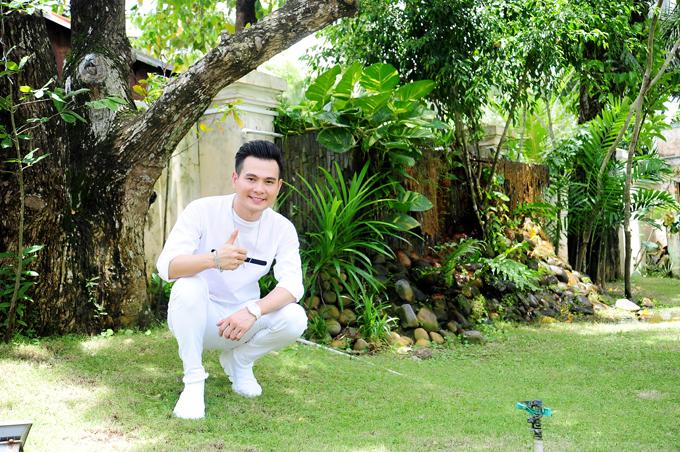 ca-si-lam-hung-khoe-nha-vuon-dep-nhu-resort-o-kien-giang-3