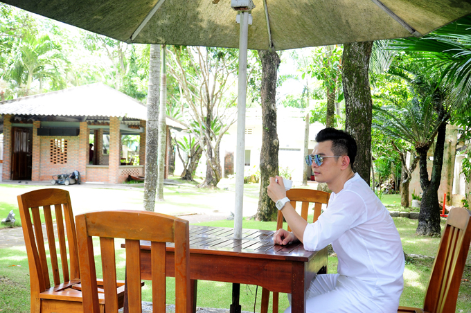 ca-si-lam-hung-khoe-nha-vuon-dep-nhu-resort-o-kien-giang-5
