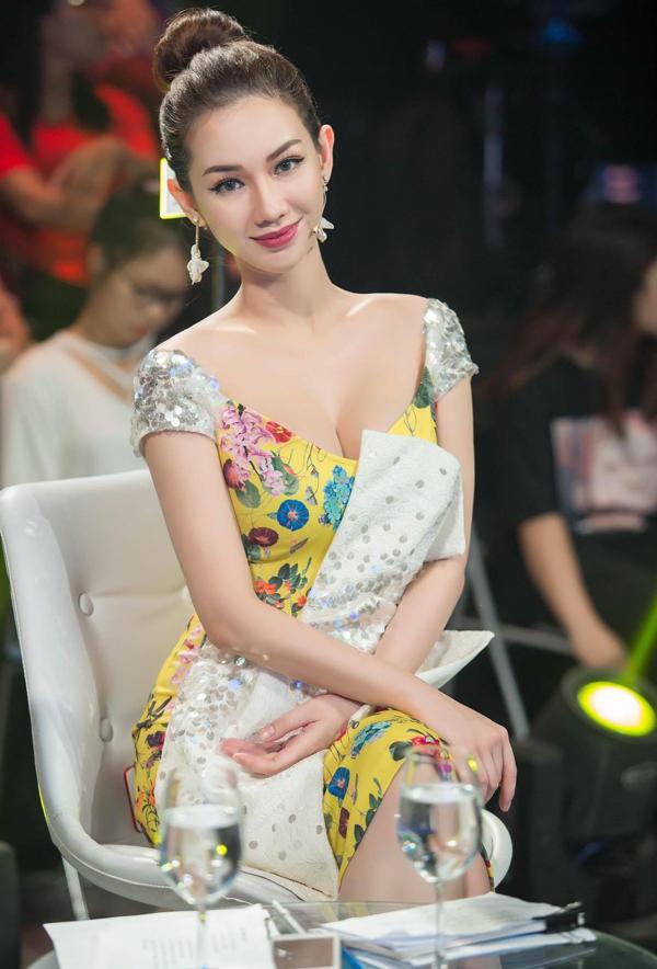 Quỳnh Chi làm giám khảo chấm thi nhan sắc