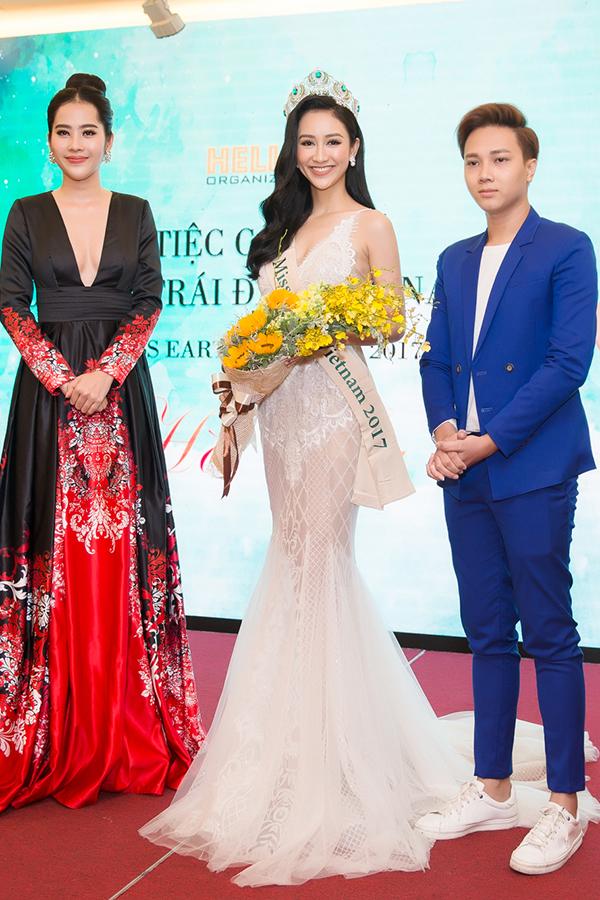 Nam Em gợi cảm đến trao vương miện Hoa hậu Trái đất Việt Nam cho Hà Thu - Ảnh minh hoạ 2