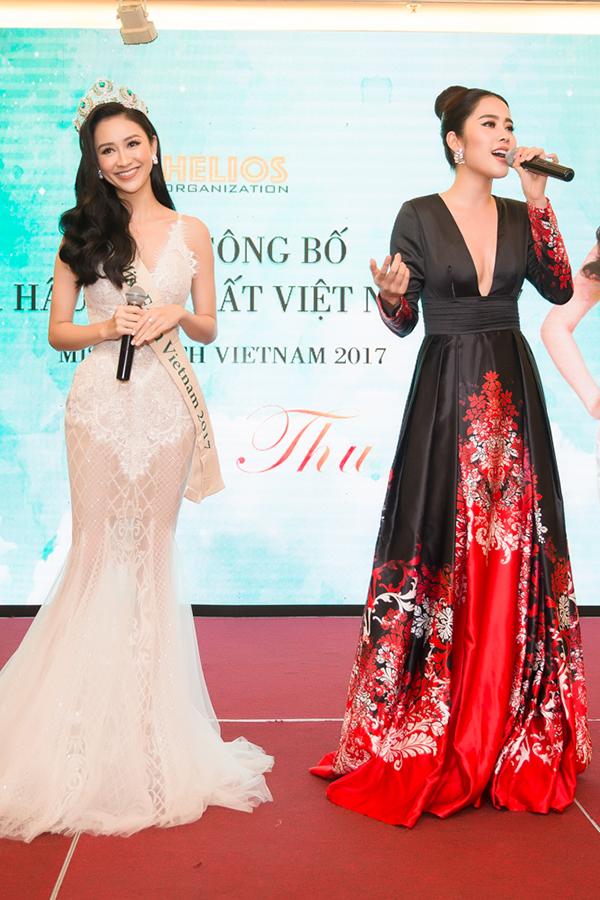 Nam Em gợi cảm đến trao vương miện Hoa hậu Trái đất Việt Nam cho Hà Thu - Ảnh minh hoạ 3