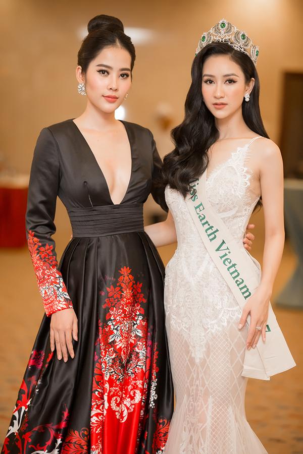 Nam Em gợi cảm đến trao vương miện Hoa hậu Trái đất Việt Nam cho Hà Thu - Ảnh minh hoạ 4