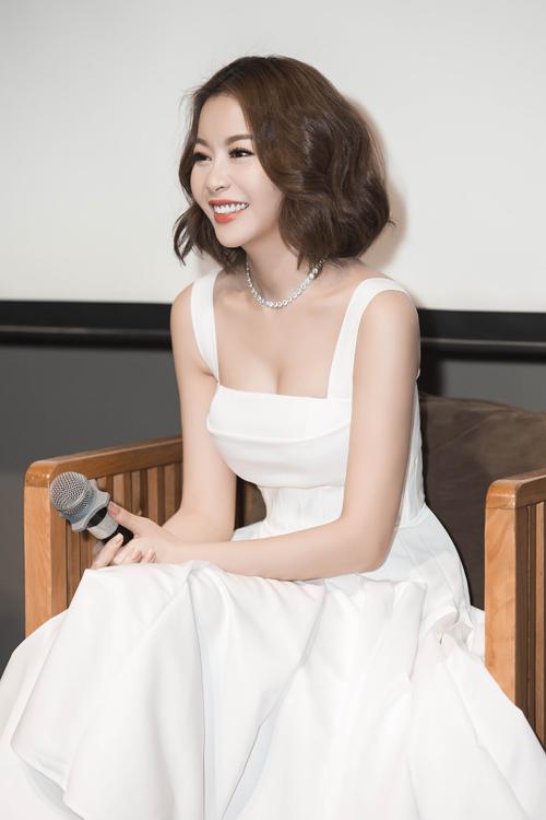 Vũ Khắc Tiệp chúc mừng Hoa hậu Hải Dương đảm nhận vai trò mới