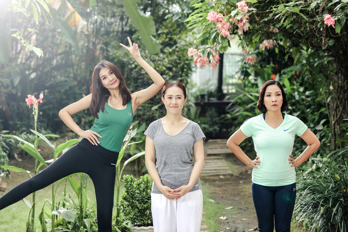 Thanh Hằng tạo dáng nhí nhố trong MV mới của Mỹ Linh