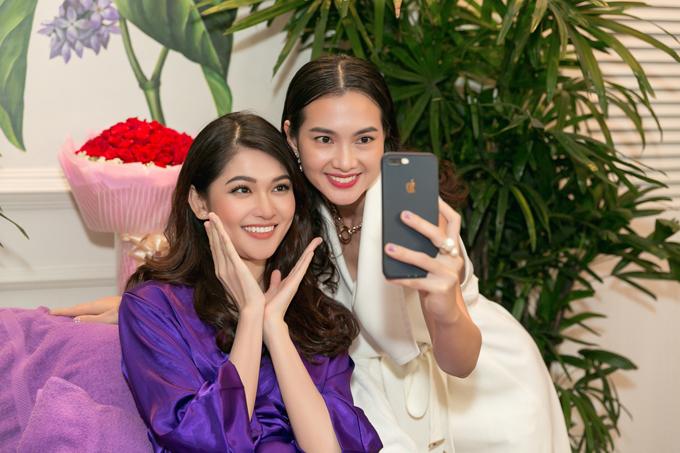 Anh Thư giúp Thùy Dung làm đẹp trước khi đi thi Hoa hậu Quốc tế