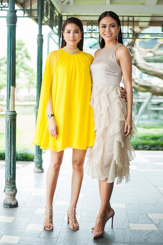 Hoa hậu Phạm Hương đọ sắc bên Mâu Thủy