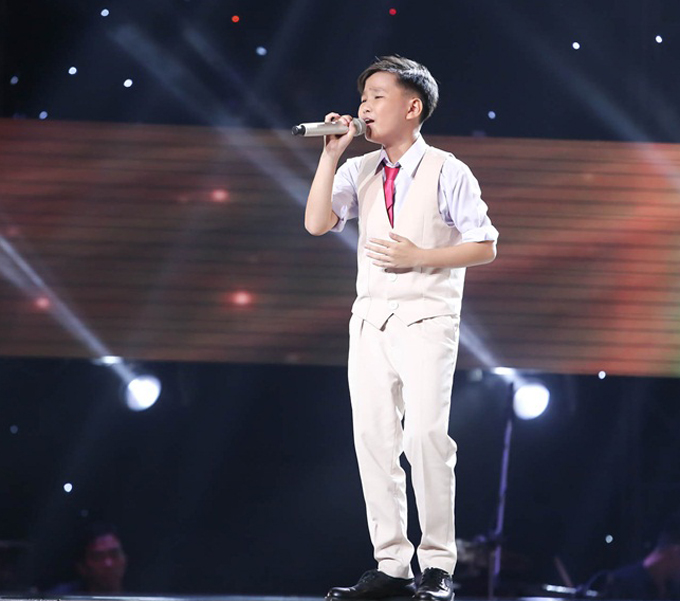 Giọng ca nhí khiến Soobin Hoàng Sơn nổi da gà, nhảy lên ghế vì phấn khích - Ảnh minh hoạ 13