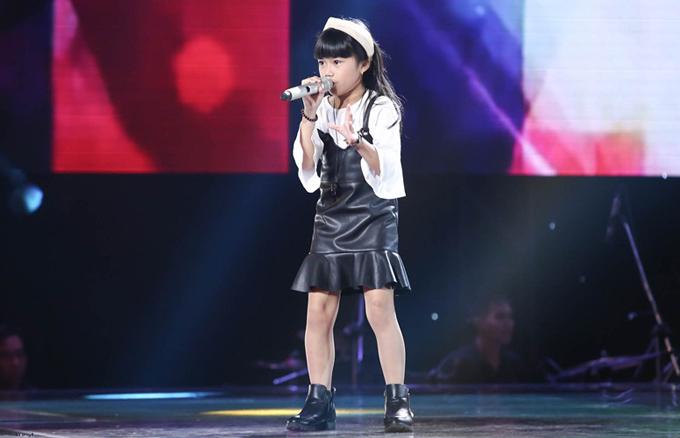 Giọng ca nhí khiến Soobin Hoàng Sơn nổi da gà, nhảy lên ghế vì phấn khích - Ảnh minh hoạ 11
