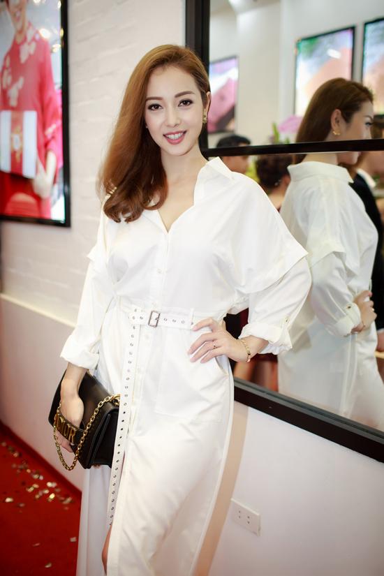 Jennifer Phạm và chồng cũ Quang Dũng vui vẻ gặp gỡ tại event