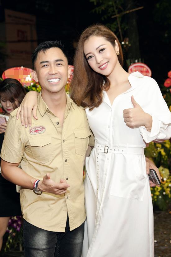 Jennifer Phạm và chồng cũ Quang Dũng vui vẻ gặp gỡ tại event - Ảnh minh hoạ 3