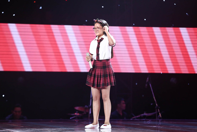 Giọng ca nhí khiến Soobin Hoàng Sơn nổi da gà, nhảy lên ghế vì phấn khích - Ảnh minh hoạ 12