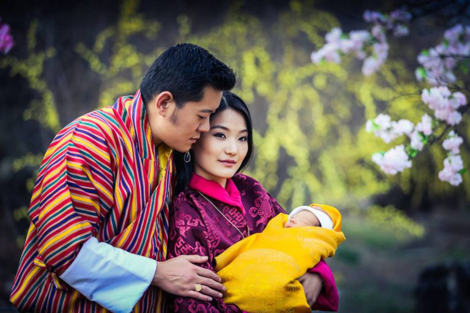 hoang-hau-bhutan-nang-lo-lem-doi-thuc-4