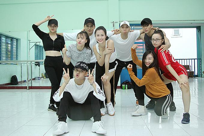 gap-rut-chun-bi-cho-asia-song-festival-dong-nhi-an-voi-trong-phong-tap-4