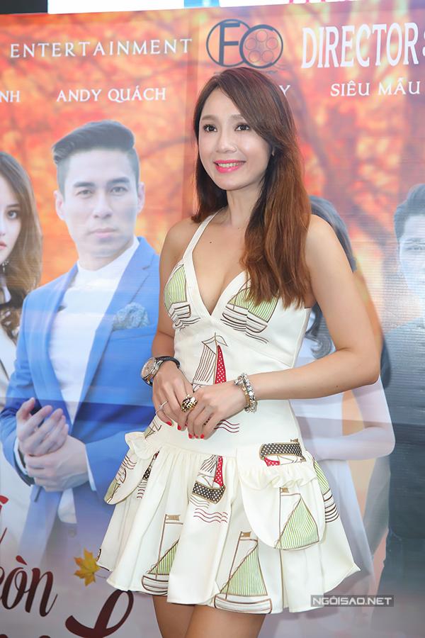 Thuỳ Anh, Helen Thanh Đào đọ vẻ gợi cảm bên ca sĩ hải ngoại Andy Quách - Ảnh minh hoạ 3