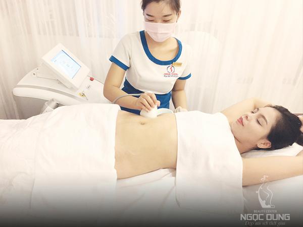 Công nghệ giảm mỡ siêu âm Ultratherapy giúp loại mỡ, trả lại đường cong chuẩn S-line và ngăn mỡ tích tụ trở lại.