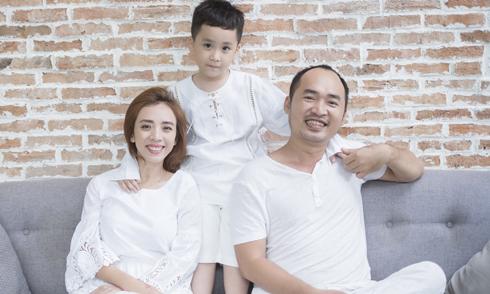 """Thu Trang: """"Tiến Luật nghèo, xấu, theo đuổi 5 năm tôi mới yêu"""""""