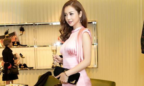 Jennifer Phạm diện cây đồ hiệu gần 300 triệu đi event